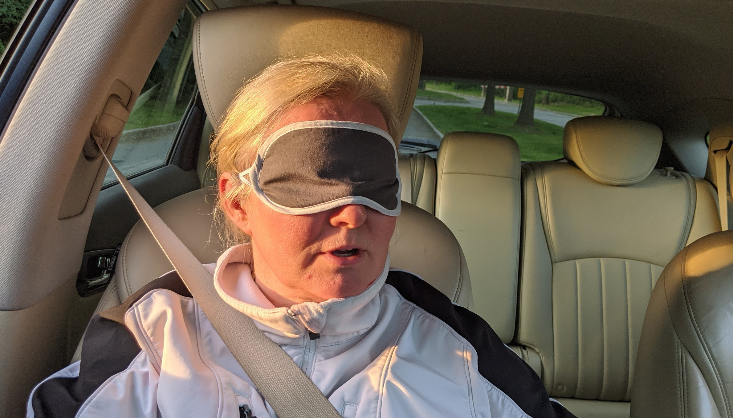 dreyev | Does a blindfolded passenger make you a safer driver?